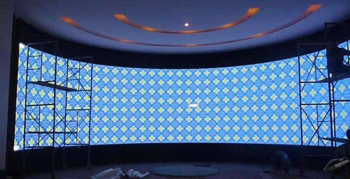 如何计算弧形LED显示屏的弧长、弦长、和弦高