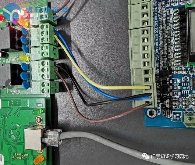 门禁控制器与人行通道闸机的连接方法